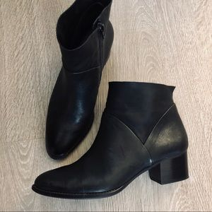 Paul Green Black Nelly Bootie Boots Size 7